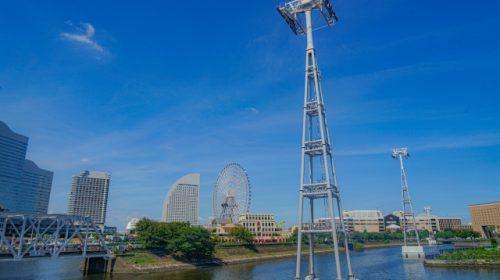 建設中の「YOKOHAMA AIR CABIN」支柱