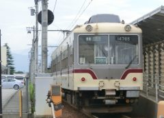 富山地方鉄道の鉄道線は13日(水)始発から全線で運転再開(イメージ)