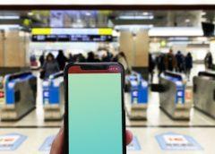 PASMOを携帯端末で利用する方が100万人を突破(写真AC/himawariin)
