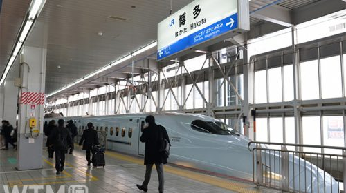 博多駅に停車中の山陽・九州新幹線N700系(マンハッタン/写真AC)
