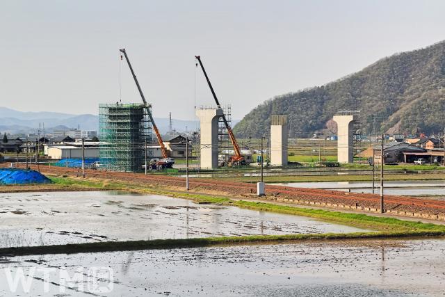 福井県内で建設が進む北陸新幹線の高架橋(丸岡ジョー/写真AC)
