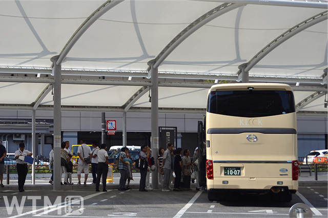 京都駅八条口貸切バス乗降場(写真は今回の送迎バスではありません)(Katsumi/TOKYO STUDIO)