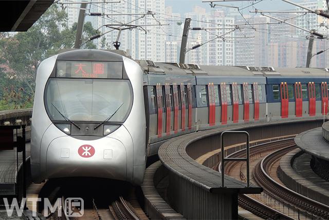 香港MTR屯馬線などで運行されている日本の近畿車輛・川崎重工業が製造したSP1900形電車(Andy Leung/Pixabay)