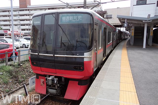 犬山駅に停車中の名鉄3300系電車(さっぽろっこ/写真AC)