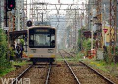 東湊停留所に到着する阪堺電気軌道モ601形電車(Inushita/写真AC)