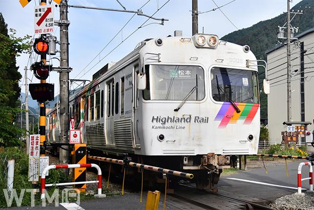 アルピコ交通上高地線3000系電車(くろてん/写真AC)