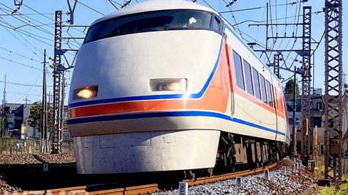 特急「スペーシア」東武100系電車(fujikiseki1606/写真AC)