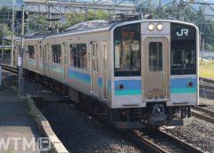 中央本線辰野経由などで運行しているJR東日本E127系電車(KUZUHA/写真AC)