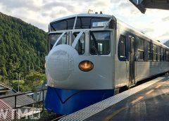 JR四国キハ32形気動車「鉄道ホビートレイン」(ぶんぶん丸/写真AC)