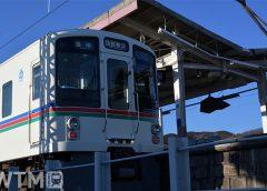 池袋線高麗駅に停車中の西武4000系電車(おだんごめがね/写真AC)