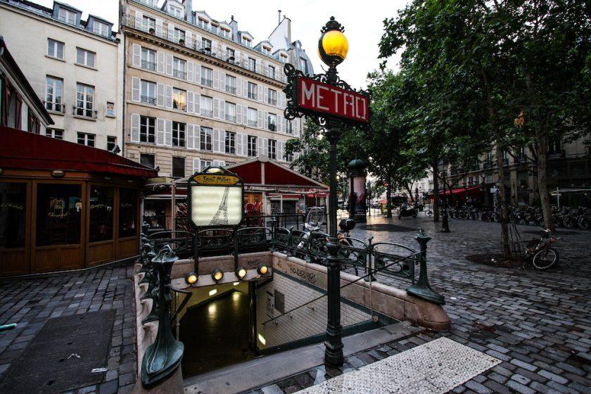 パリ地下鉄サン=ミシェル駅