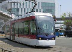 熊本市交通局の超低床電車0800形