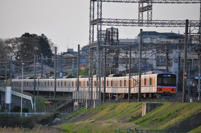 東武東上線の座席指定制列車「TJライナー」50090系